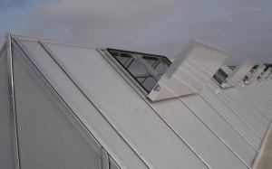 Luminator trigonal cu trape de fum Phoenix PX1 - RODA